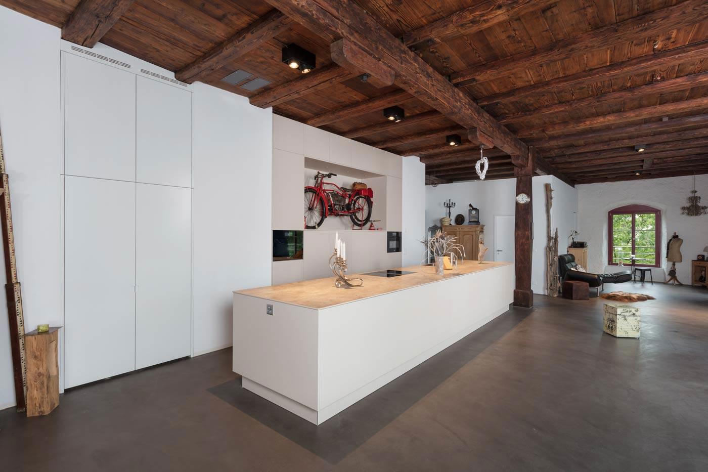 extravagante Loftküche